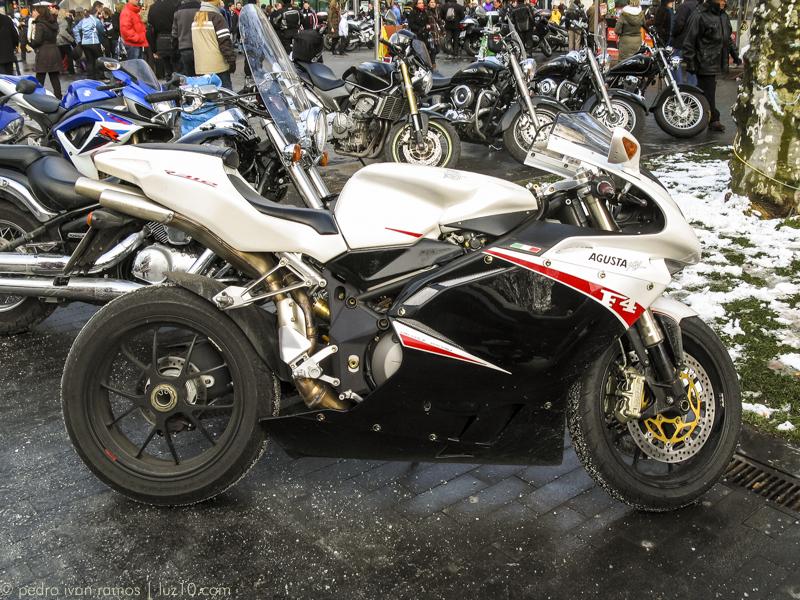 Valladolid en Enero: motos y frio luz10