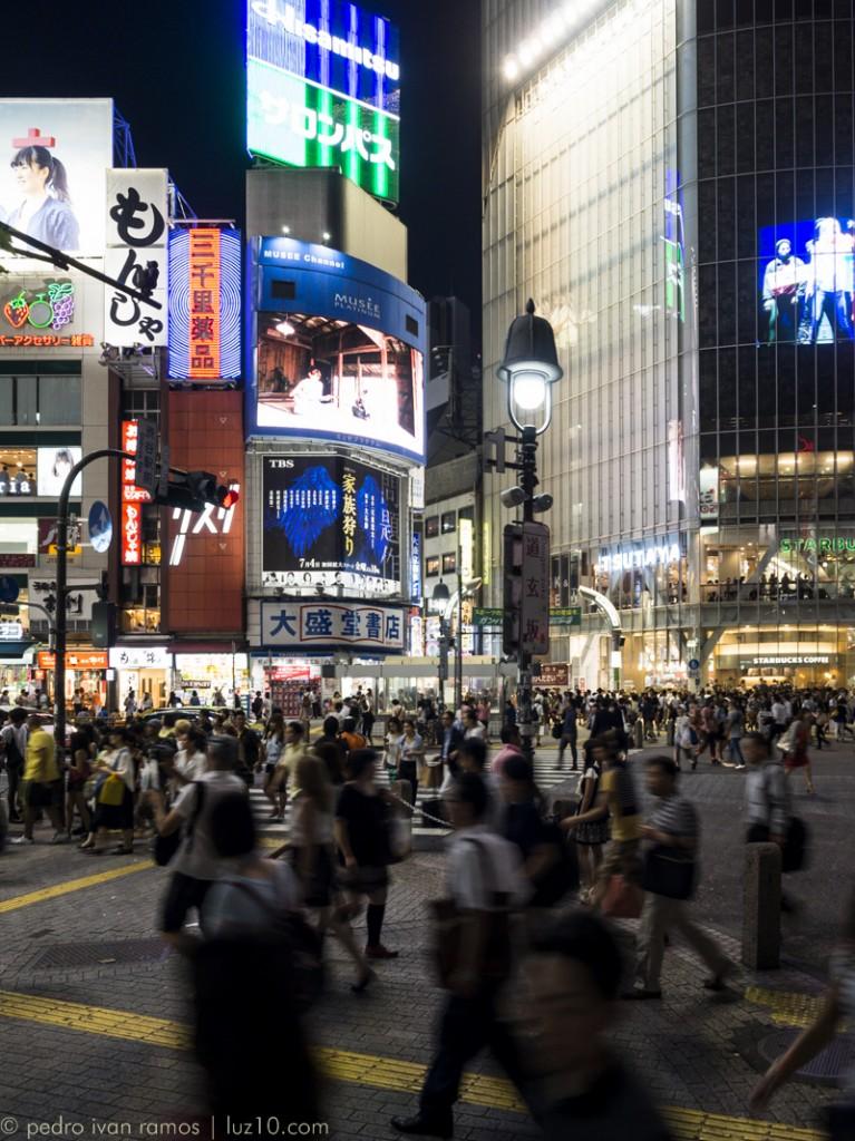 Shibuya. Nada que añadir. luz10, pedro ivan ramos