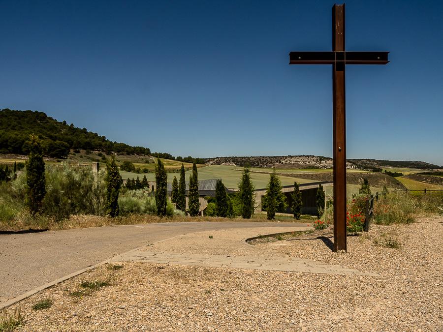 pequeña muerte © pedro ivan ramos martin luz10 cementerio de villamuriel de cerrato